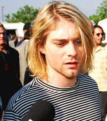 Kurt-Cobain-3-kurt-cobain-30888761-442-500